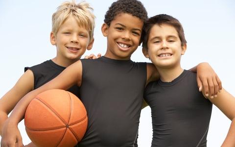 Hjælp børn og unge ind i sunde fællesskaber
